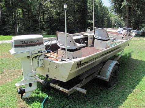 Alumacraft Bass Boat by Alumacraft 15 X 42 Quot Bass Boat 25 Hp Johnson Boat For Sale