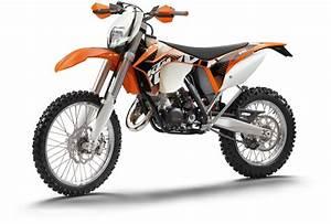 125 Enduro Occasion : pr sentation de la moto 125 ktm 125 exc ~ Medecine-chirurgie-esthetiques.com Avis de Voitures