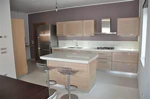 Cucina in muratura con isola car interior design for Cucina in muratura con isola