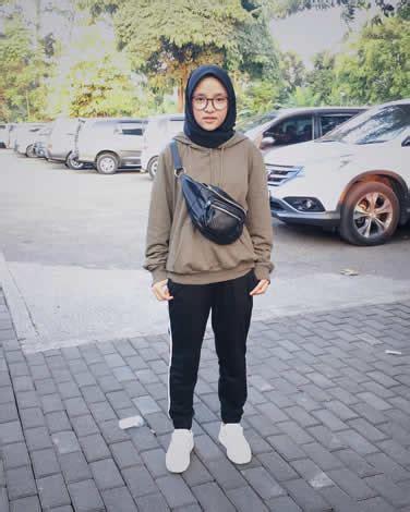 yuk intip hijab style kekinian ala nissa sabyan  menginspirasi blog unik