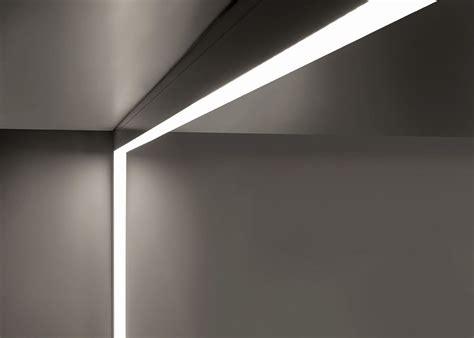 wall mounted linear fluorescent light fixtures outdoor