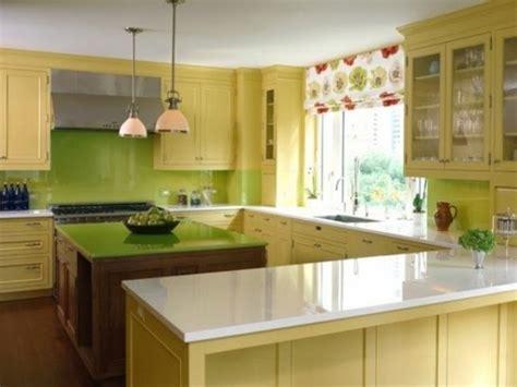 lime green and yellow kitchen اللون الاخضر في المطابخ الكبيرة مع الاصفر المرسال 9033