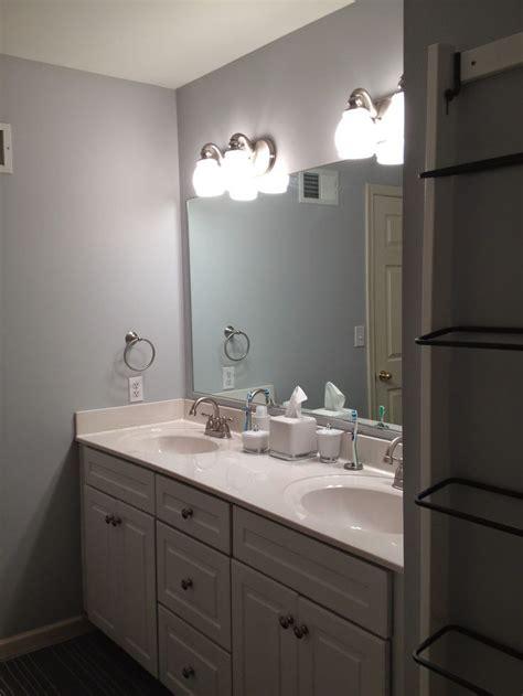 bee skep behr silver screen paint  bathroom
