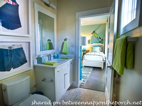 Smart And Sassy Bedrooms : Tour The Hgtv Smarthome, 2013 In Jacksonville Florida
