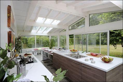amenager petit salon avec cuisine ouverte une cuisine dans la véranda visitedeco