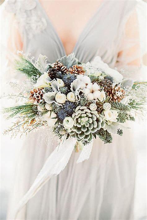 42 Stunning Winter Wedding Bouquets Christmas Wedding