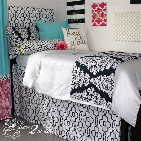 Room Bed Skirts by 1000 Ideas About Bed Skirts On College