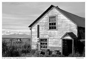 Black and White Picture/Photo: Old wooden house in village ...