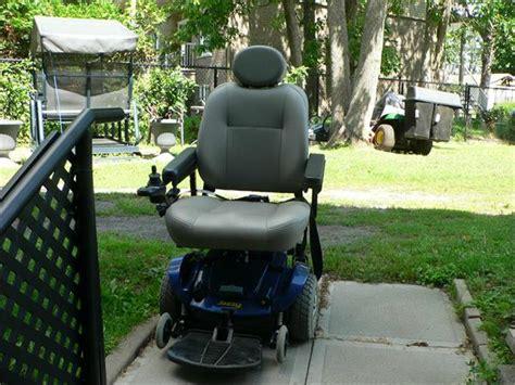 chaise roulante electrique a vendre 3 fauteuil roulant usagé à vendre lespuces com