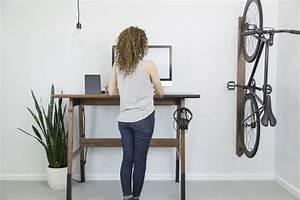Bureau En Bois Moderne Qui Encourage Le Travail Debout