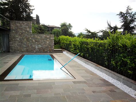 giardino con piscina foto foto giardino con piscina trescore balneario bg di