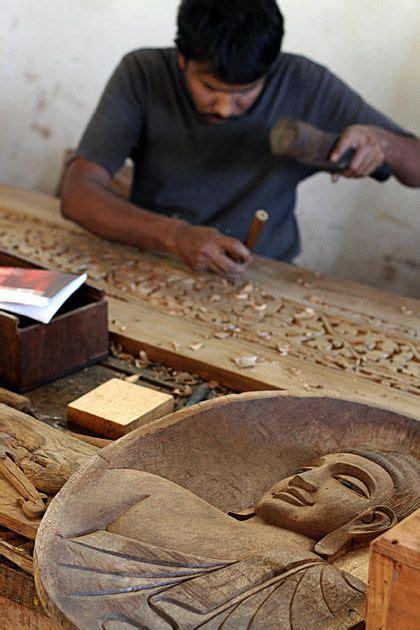 sri lankan wood working  rajanima craft sri lanka