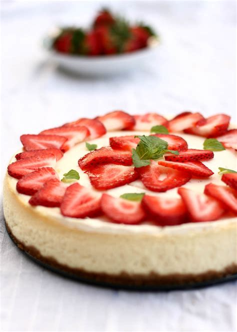 strawberry cheesecake cake strawberry cheesecake recipe easy dessert recipes