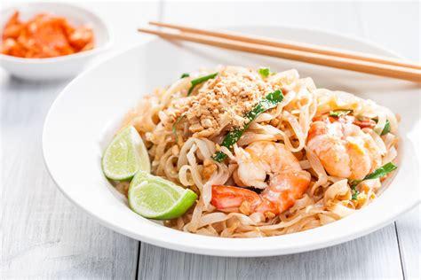 pad thai noodles how to prepare chicken pad thai noodles