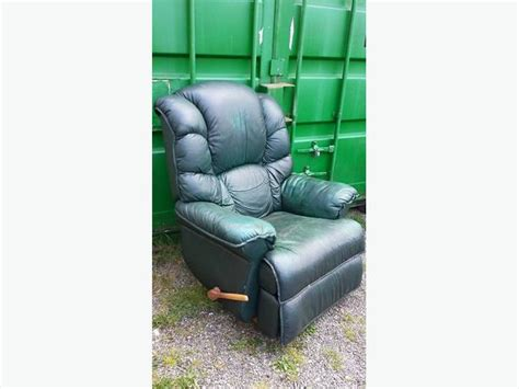 green lazy boy leather recliner chair central nanaimo nanaimo