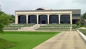 Philip Johnson | The Pritzker Architecture Prize