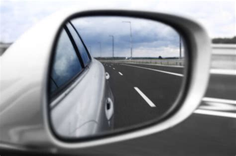 Guide To Buying Car Door Mirrors