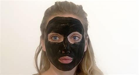 masque maison detox au charbon lotus bouche cousue