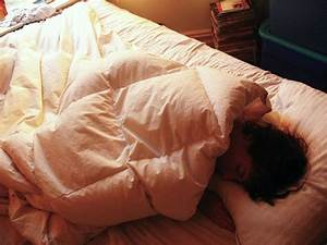why it39s bad to use your phone before bed business insider With backache in bed