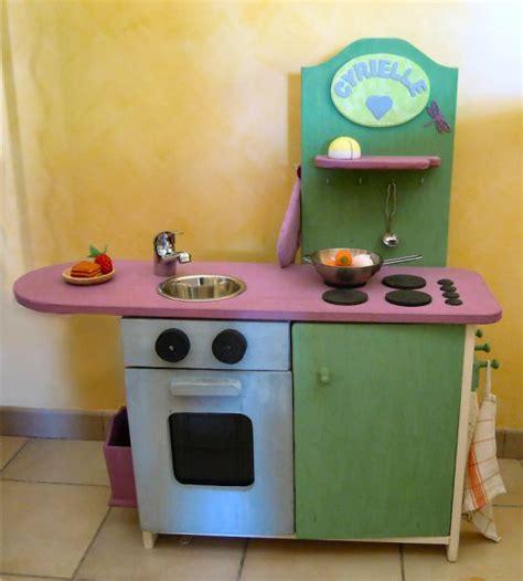 fabriquer cuisine pour fille cuisine en bois enfant