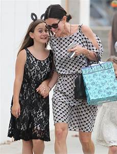 Courteney Cox Celebrates Coco's Elementary Graduation ...