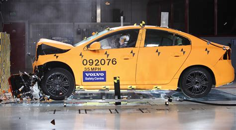 Volvo Injury Proof Car 2020 by Volvo Says It Will Make Proof By 2020