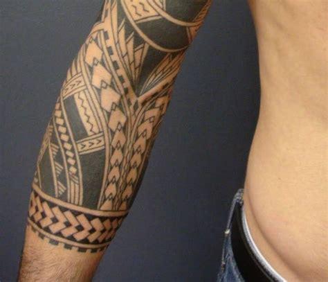 polynesische tattoos unterarm polynesische maori tattoos bedeutung der tribalsmotive