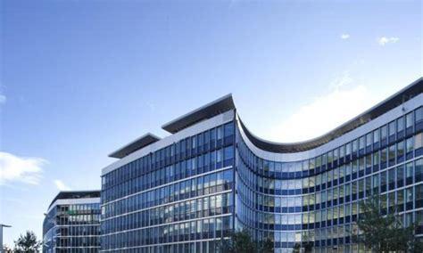 bureau d ude batiment unilever s 39 installe dans le plus grand bâtiment à énergie