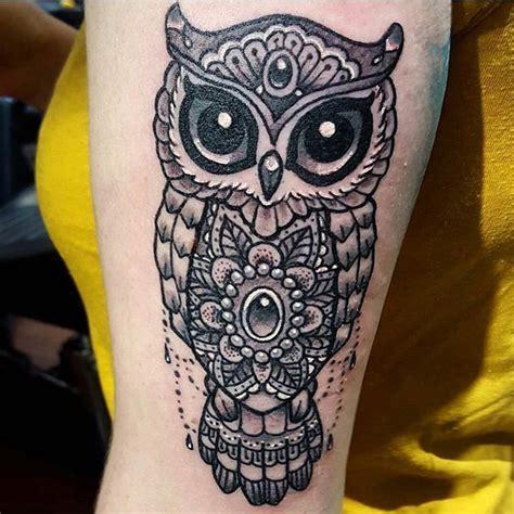 tatouage hiboux mandala