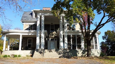historic home renovation restoration contractor