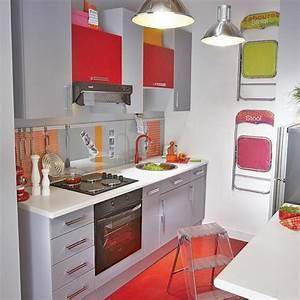 La kitchenette moderne equipee et sur optimisee for Petite cuisine équipée avec meuble de rangement salle a manger pas cher