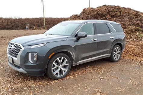 The palisade's bold style may not be everyone's cup of metaphorical tea. 2020 Hyundai Palisade Luxury - StAlbertToday.ca