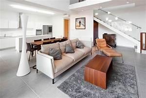 Teppich Auf Fliesen : wohnzimmer fliesen 86 beispiele warum sie den wohnzimmerboden mit fliesen verlegen ~ Eleganceandgraceweddings.com Haus und Dekorationen