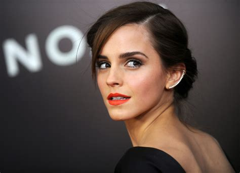 Emma Watson Is The Ultimate Fashion Inspiration In Her New Instagram Account - Glamour Lifestyles