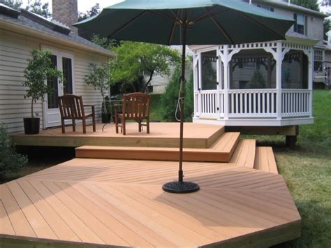 Patios & Decks : Decks, Patios, Fences, Screened Porches