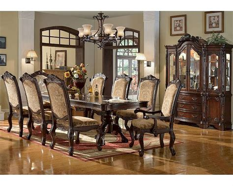 14 Traditional Style Home Decor Ideas That Are Still Cool: Dining Set In Traditional Style MCFD8500