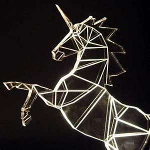 Lampe De Chevet Licorne : lampe licorne originale geek idee deco lampe geek licorne ~ Teatrodelosmanantiales.com Idées de Décoration