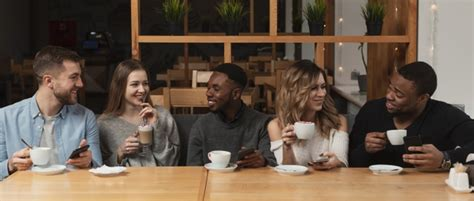 Coffee clearly outpaces tea as the hot beverage of choice in the united states by about 3 to 1. Free Photo | Group of friends drinking coffee