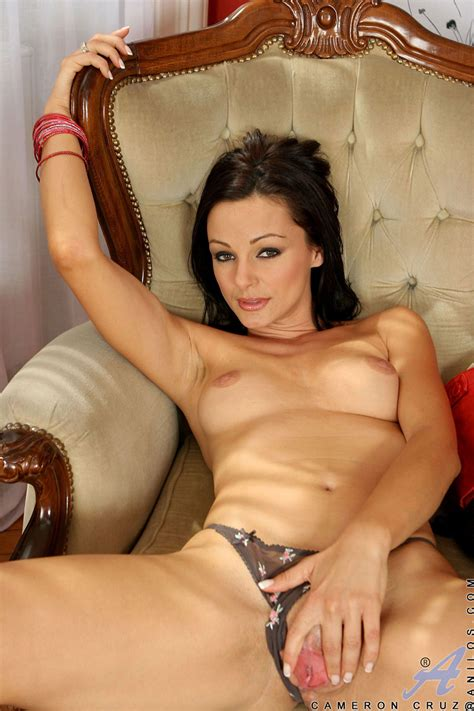 Appealing Brunette Cameron Cruz Gives Horny Expressing With Masturbation Porn Tv