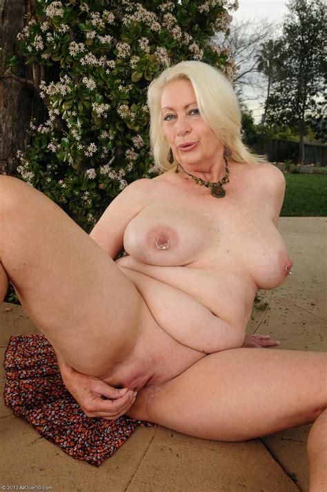 Mature Lovers Angelique Dubois Nude Outdoor