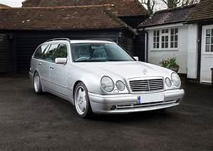 Mercedes Classe C Blanche : photo mercedes classe e break s210 55 amg break 1999 m diatheque ~ Gottalentnigeria.com Avis de Voitures