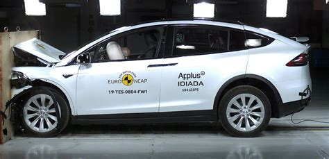 Tesla Model X becomes 5-star safety champ in Euro NCAP's ...