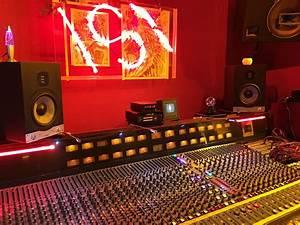 Recording Studio Berlin : eve sc208s at red raven recording studios in berlin owned ~ A.2002-acura-tl-radio.info Haus und Dekorationen