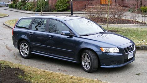 volvo   fwd review editors review car reviews