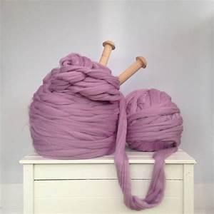 Plaid Grosse Maille Laine : couverture tricot xxl le charme in gal de la grosse laine dite chunky ~ Teatrodelosmanantiales.com Idées de Décoration