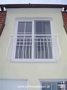 schmiedeeisen einfahrtstor tor schiebetor With französischer balkon mit bistrotisch eisen garten