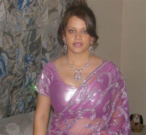 Hot Indian Aunties Photos Saree Pics South Indian Aunties