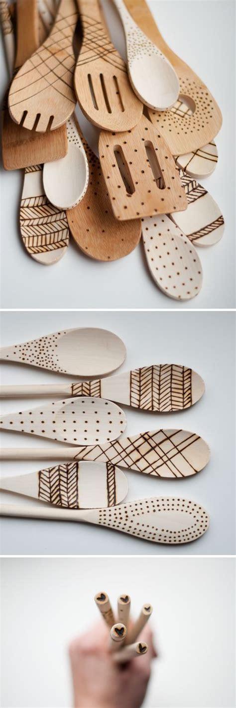 cuill鑽e en bois cuisine 1000 idées sur le thème artisanat de cuillère de bois sur cuillères en bois cuillères et artisanat