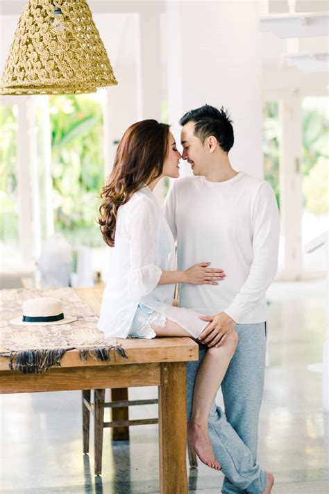 S&A: Intimate At Home Engagement Session - Gusmank