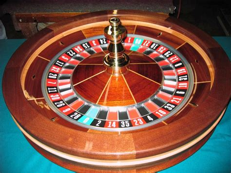 32 Inch Solid Mahogany Roulette Wheel (made In The Usa)